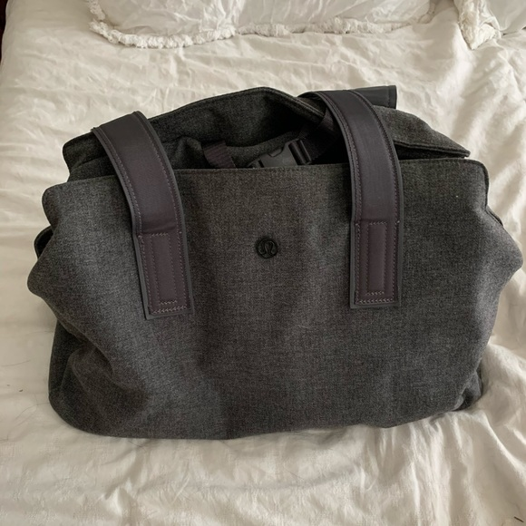 lululemon athletica Handbags - Grey Lululemon Go Getter Bag 26L